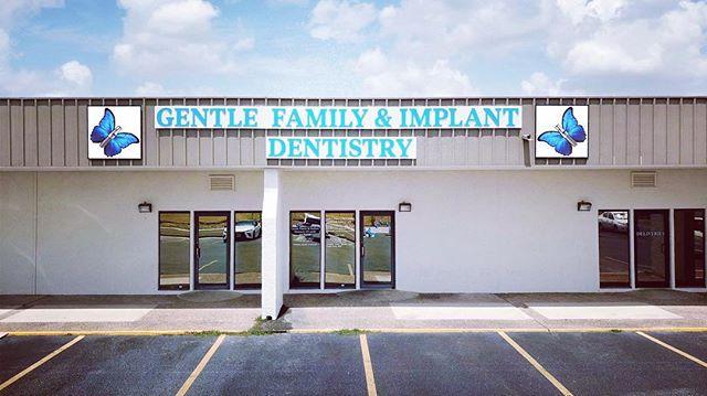 Come on by and visit us☺️ #🦋 #walkinclinic #gentledental #gentlefamilydentistry #gentlefamilydental #laredo #dentalimplants #implants #956 #dentaloffice #dental clinic #bestdentist #laredodentist #hygienist