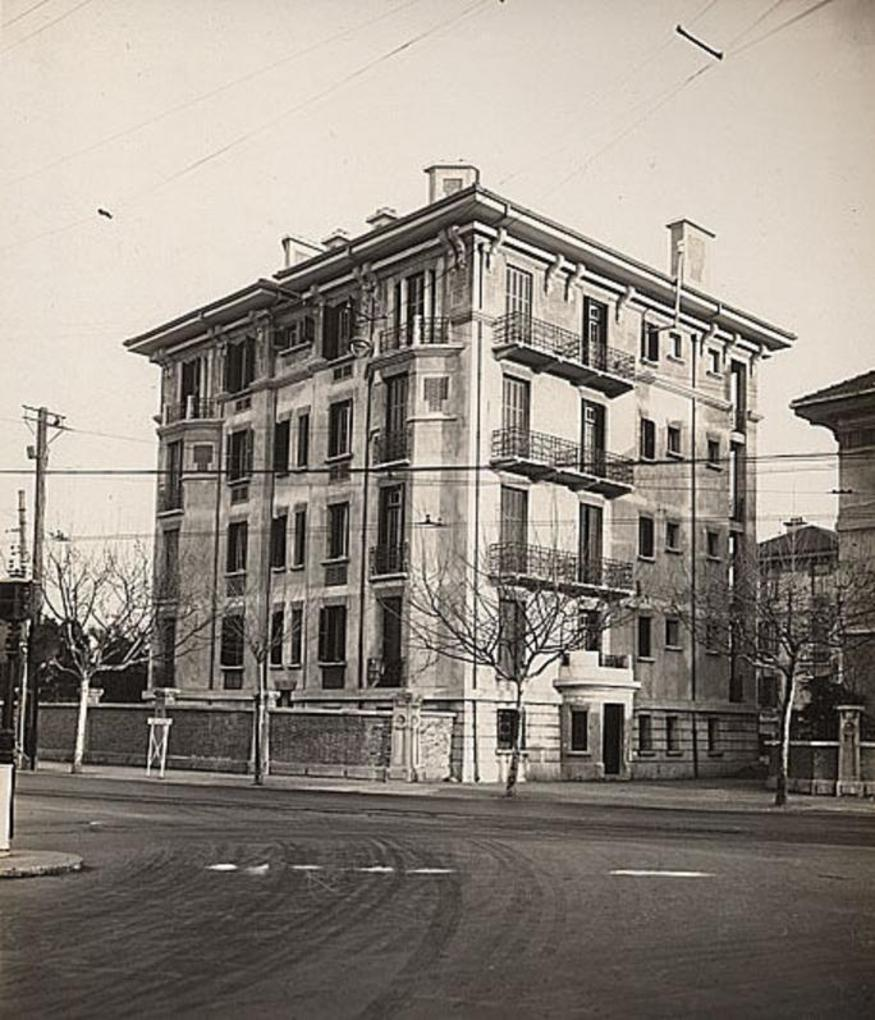 A police station on the borders of the French concession on what is now Huai Hai Lu. The building is still extant. Last time I looked, there was a furniture showroom in the ground floor and basement (the old cells) with living quarters above.