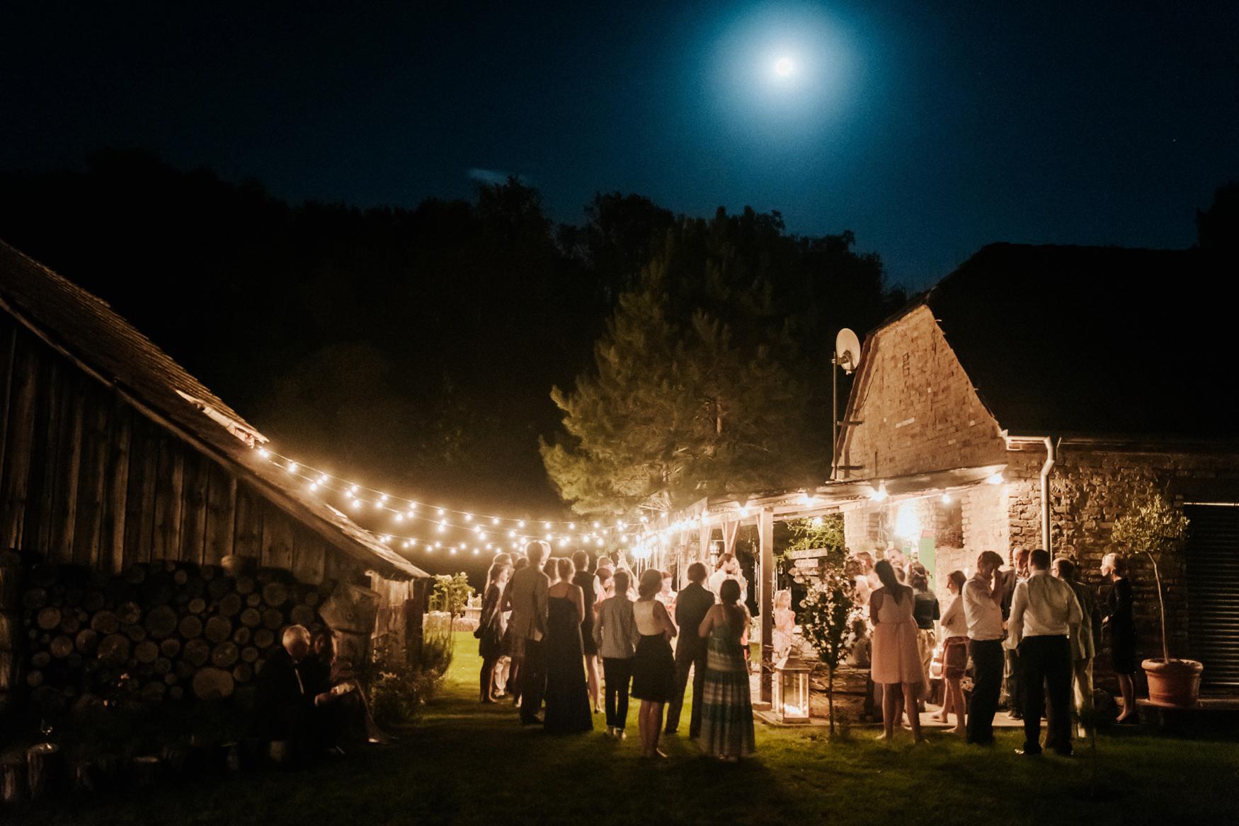 2 rustic summer outdoor wedding 044.jpg