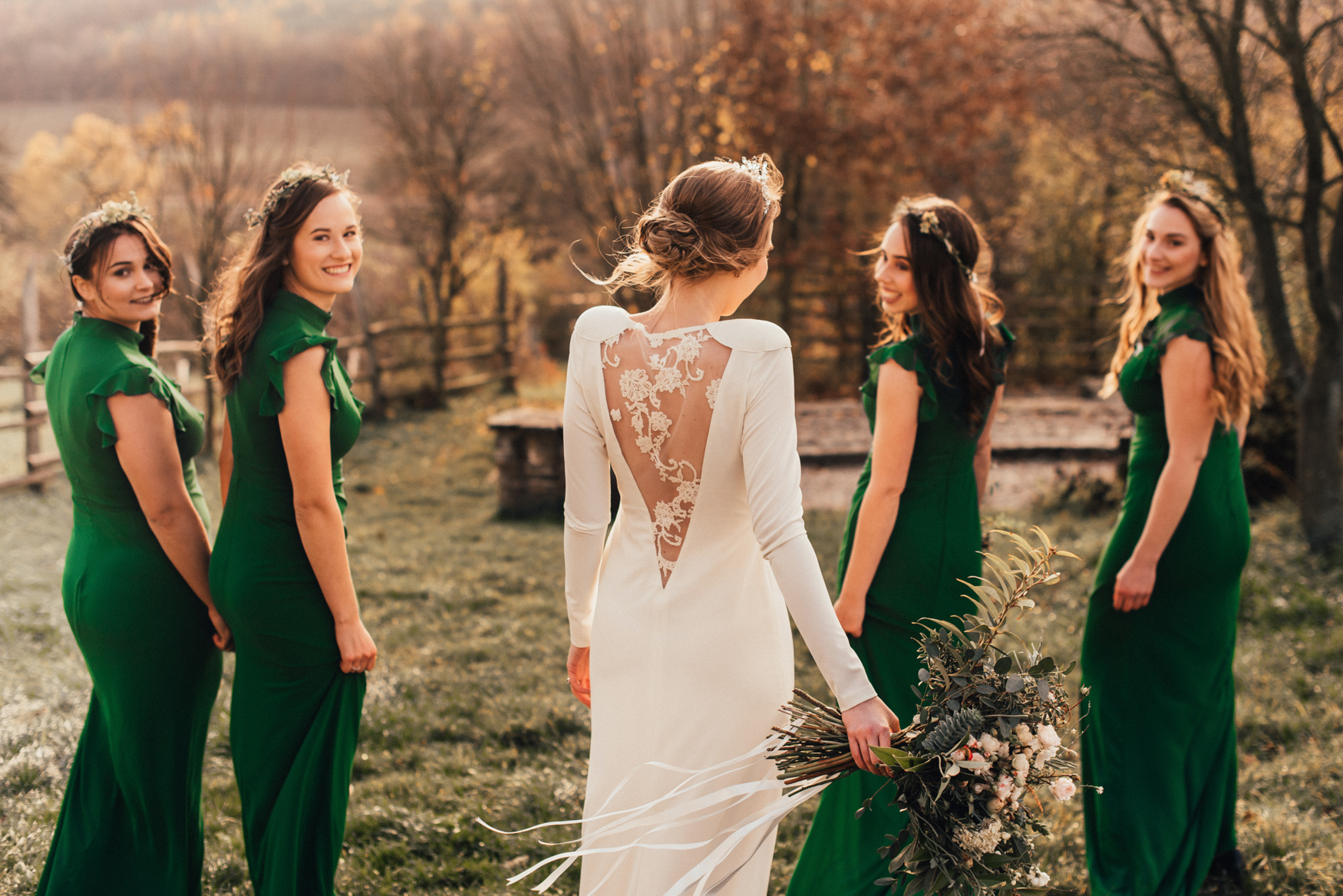 bestof2017_089 bridesmaids in green dresses.jpg