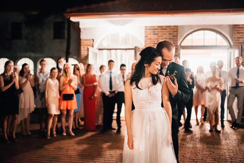 3 bohemian wedding in vineyards 021.jpg