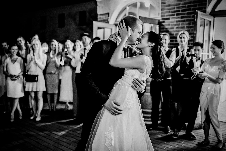 3 bohemian wedding in vineyards 024.jpg