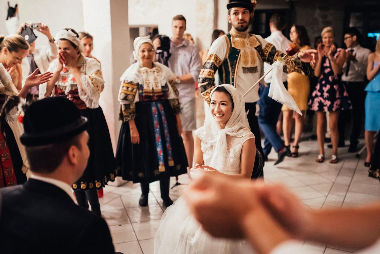 4 bohemian wedding in wiegerova vila 005.jpg