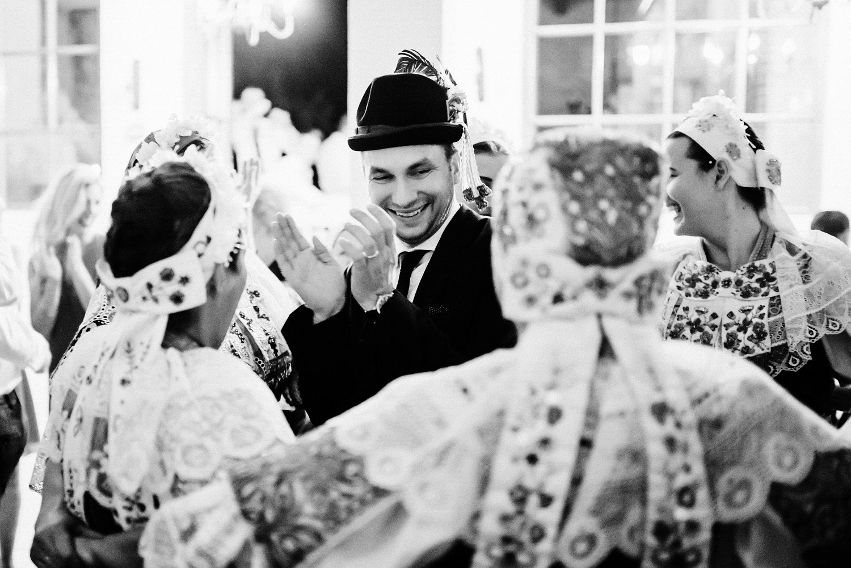 4 bohemian wedding in wiegerova vila 004.jpg