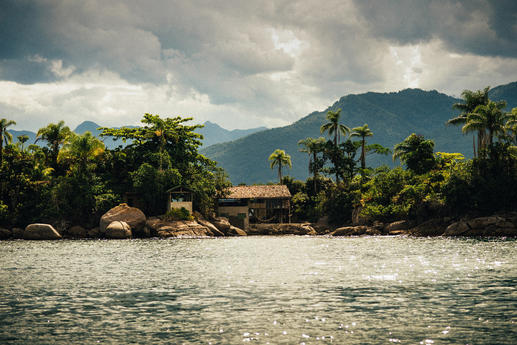 E&T1 brazil tropical engagement session in paraty & rio 033.jpg