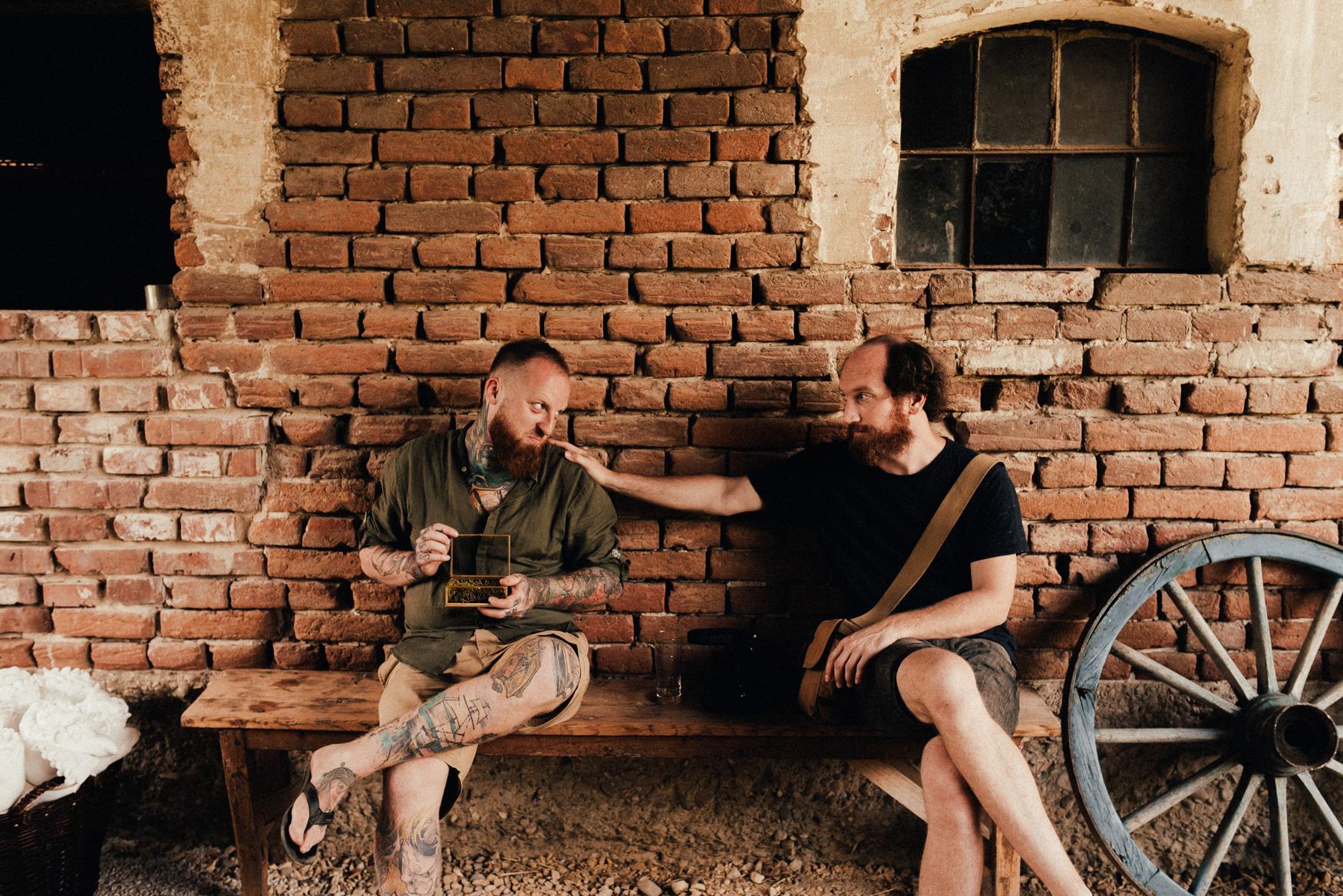 k&p relaxed hipster barn wedding 006.jpg