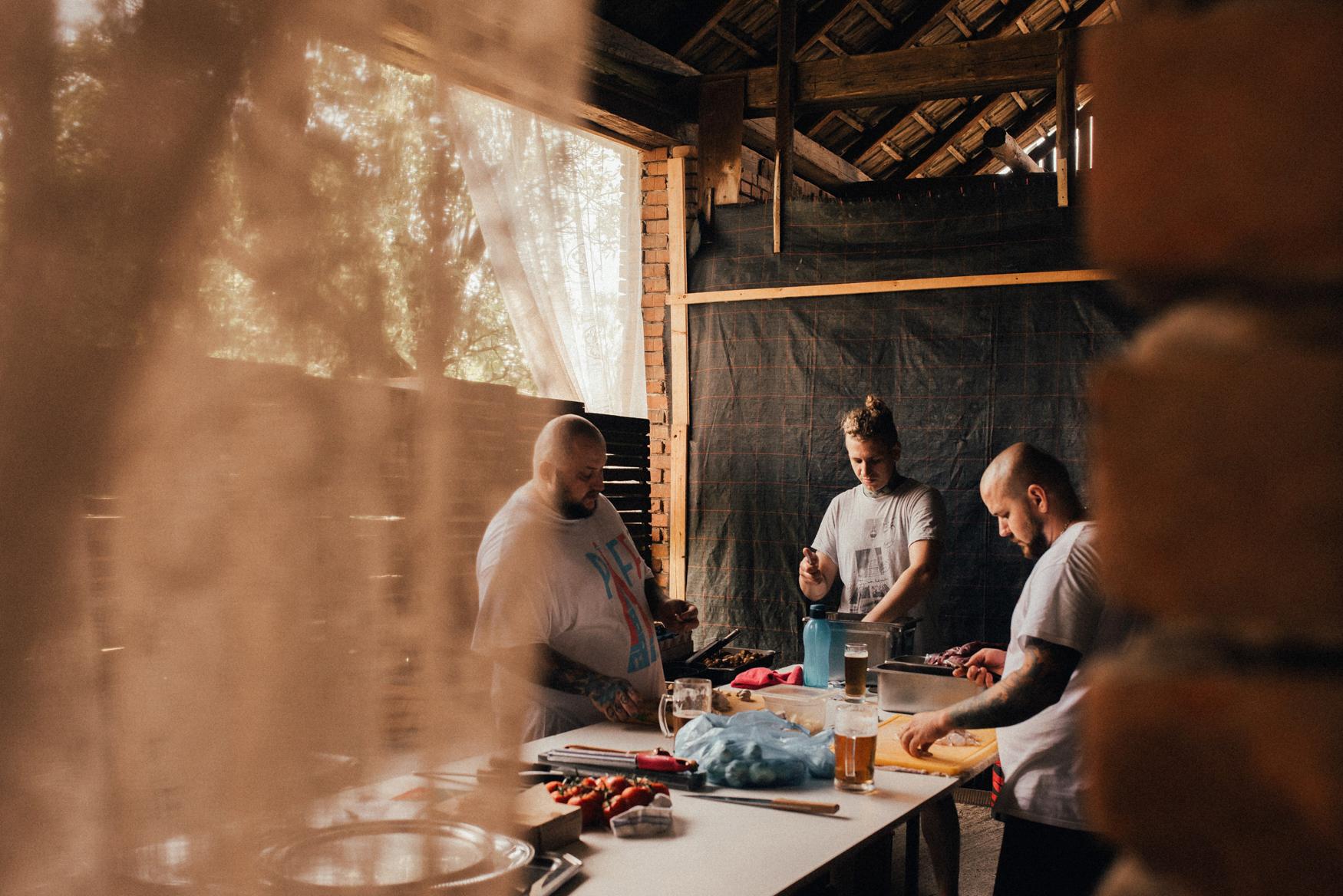 k&p relaxed hipster barn wedding 017.jpg