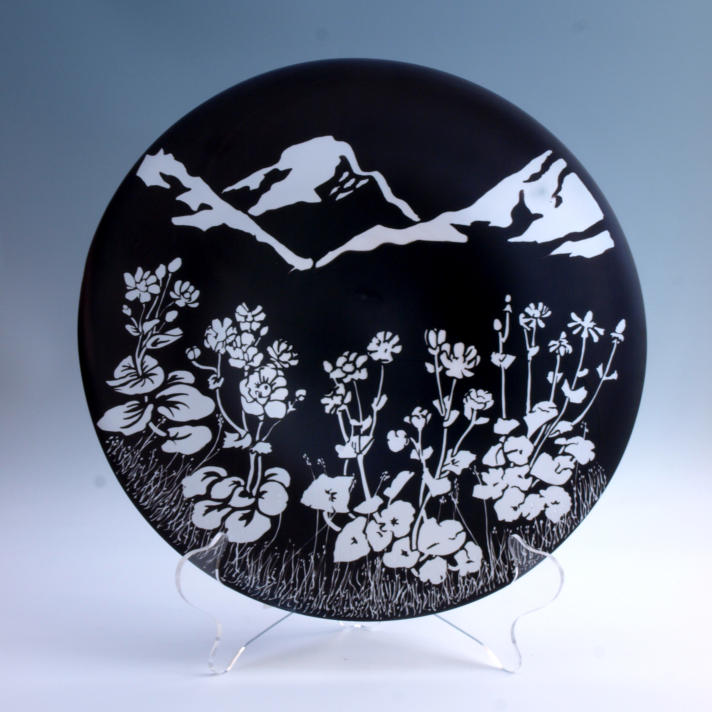 Garry Nash and Claire Bell, Mount Cook Lily Plate (2015)