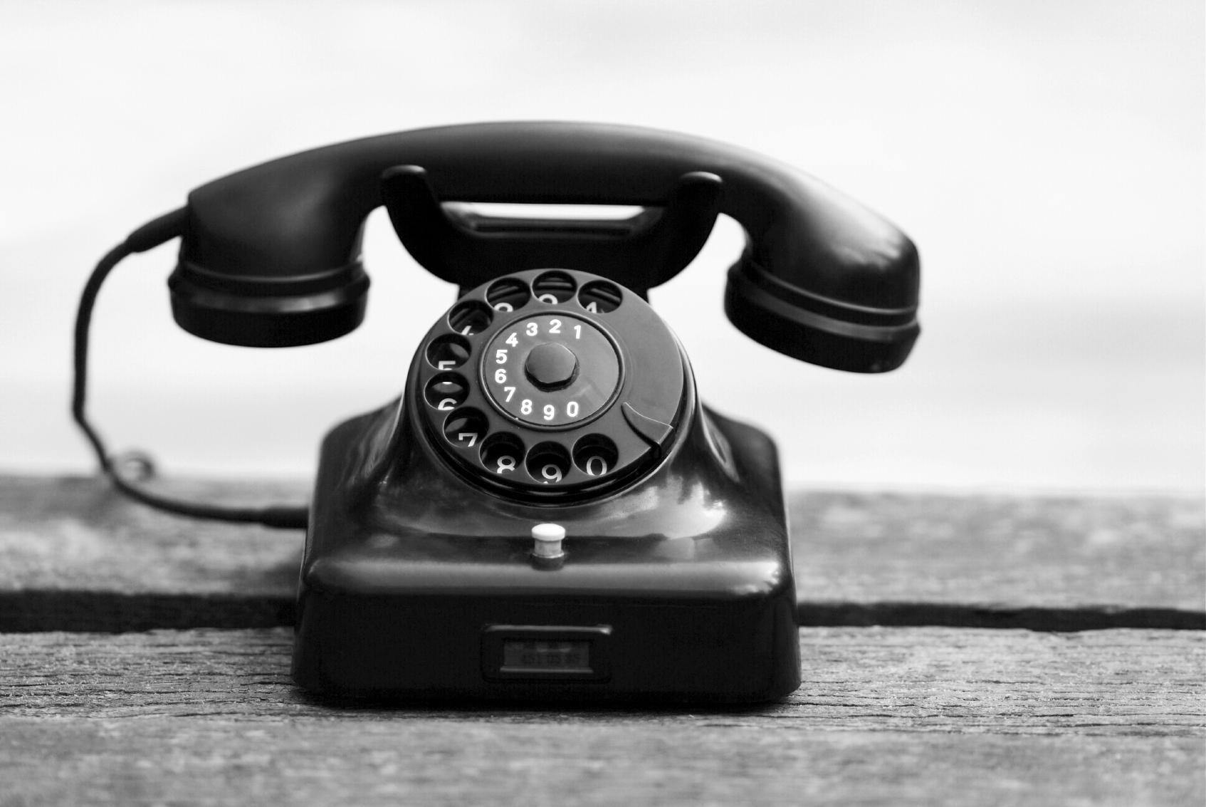 Old-fashioned-phone.jpg