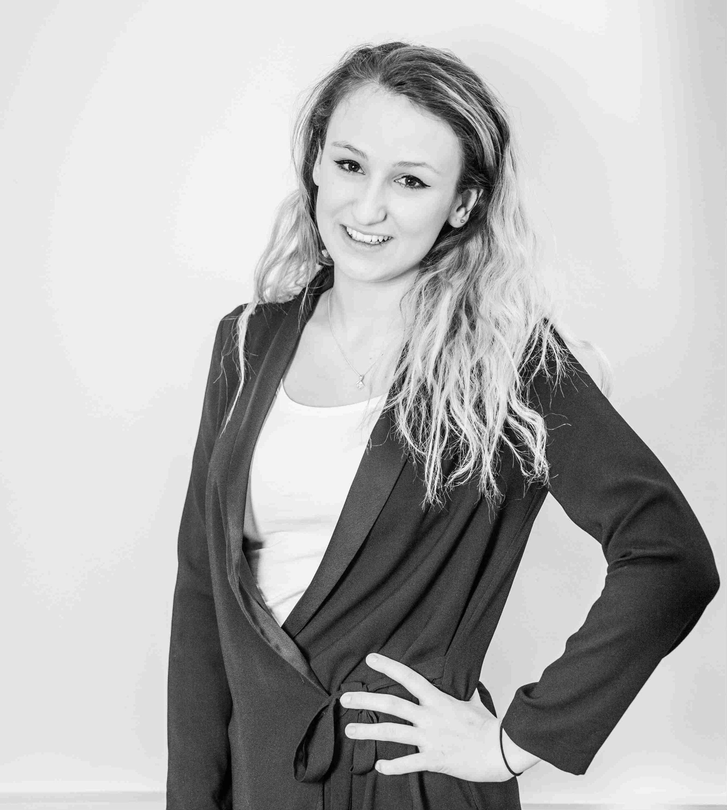 Maddi O'Niell, Account Executive