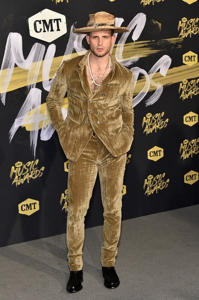 Nico+Tortorella+2018+CMT+Music+Awards+Arrivals+cOZSBiqNpk4l.jpg