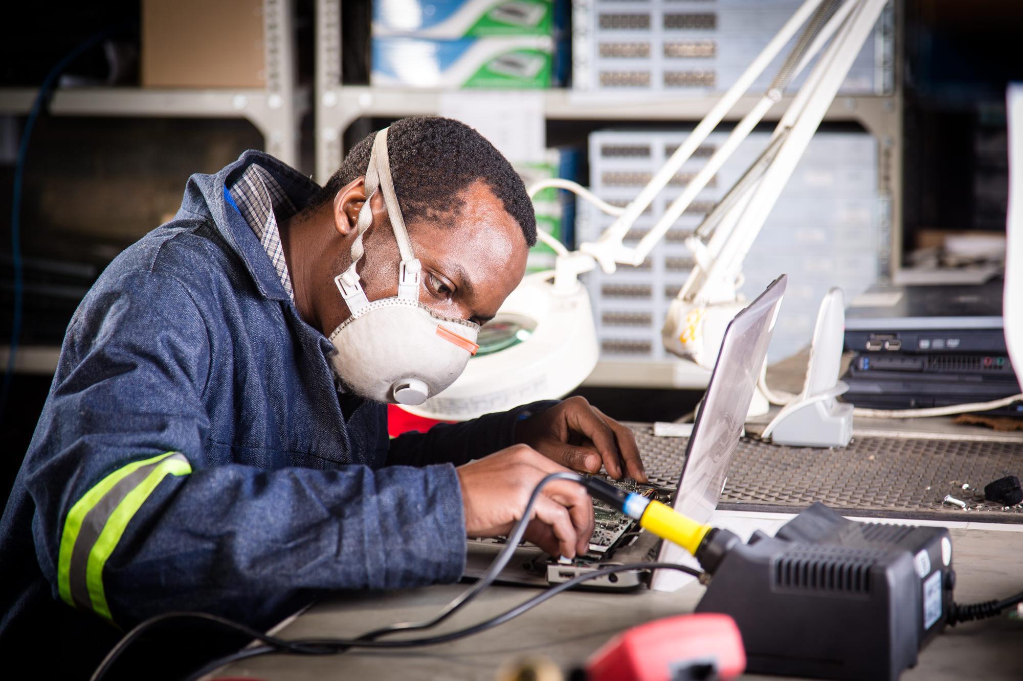 tim gerges industrial photographer device-5743.jpg