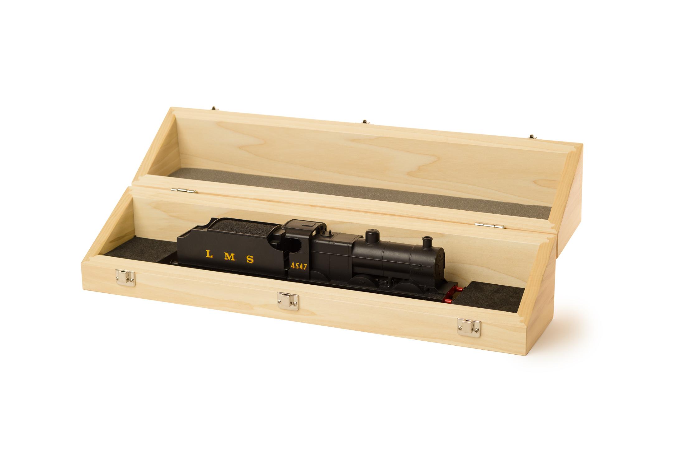 case box wood carve carpentry