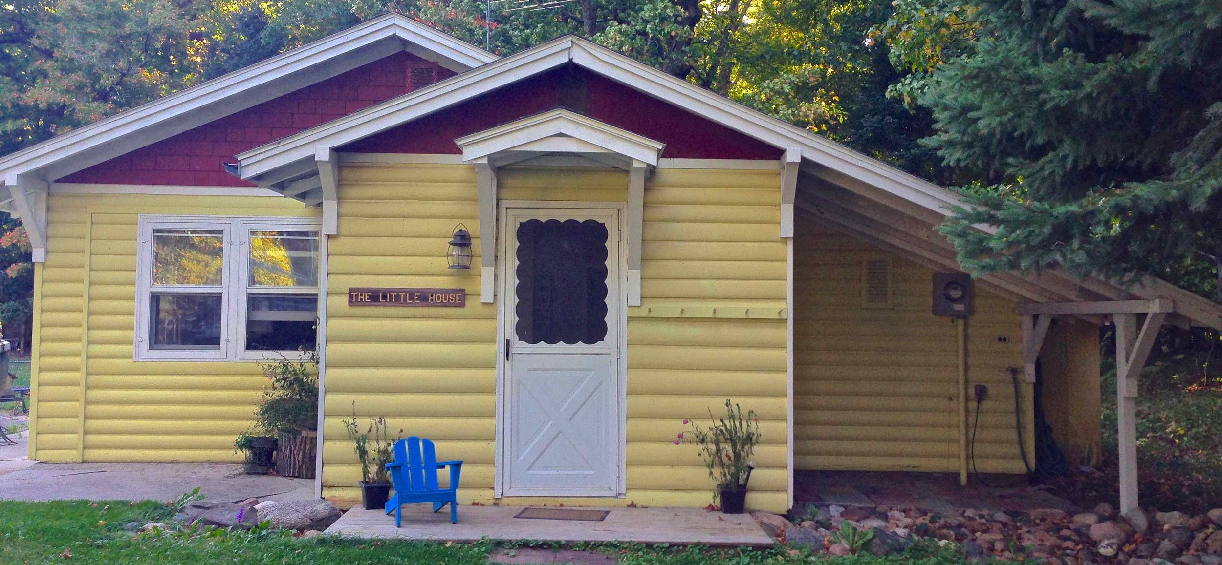 Hi there! I'm the little house front door. Ready for some fun?