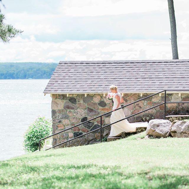 historic stone #boathouse on #sugarlake is fabulous backdrop for #lakewedding pic at #sugarcrest
