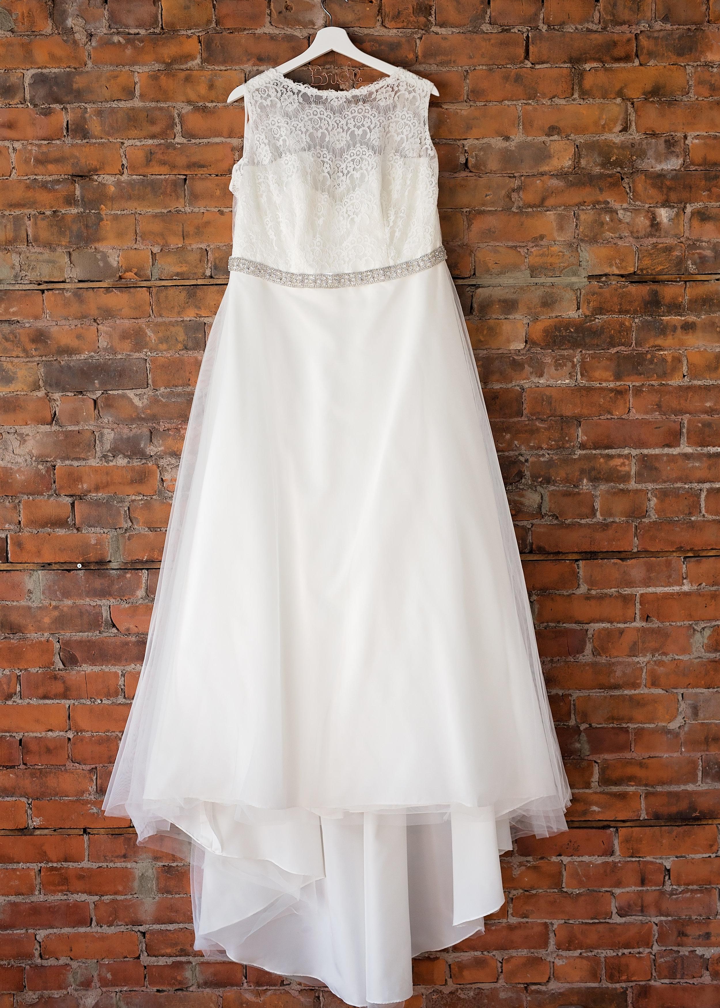 Getting Ready Bride (14).jpg