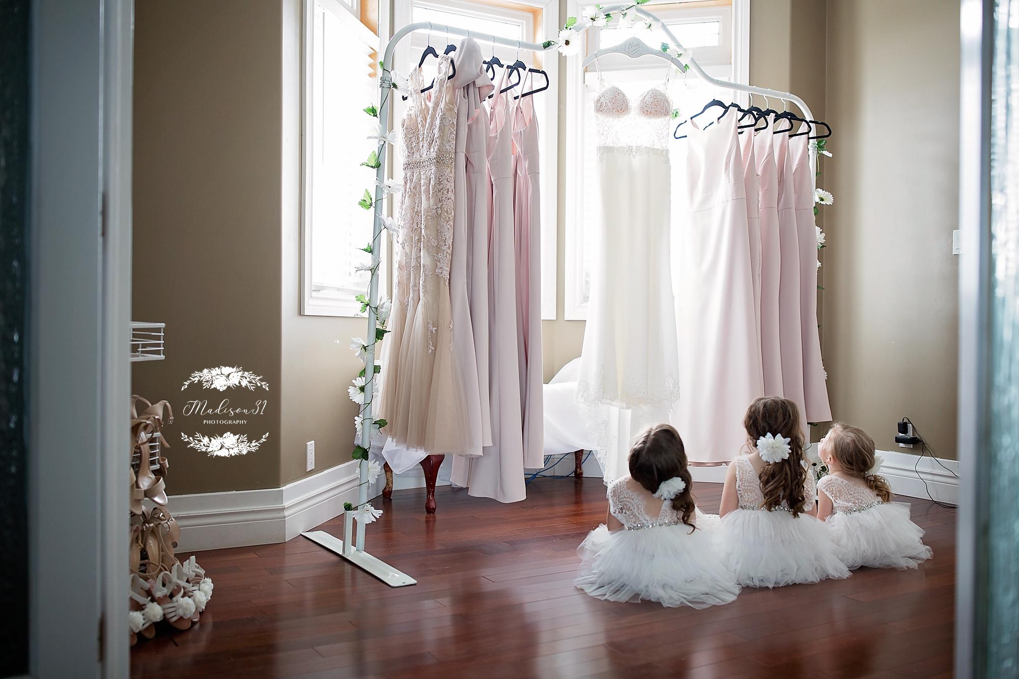 Getting Ready Bride_0504 copy.jpg