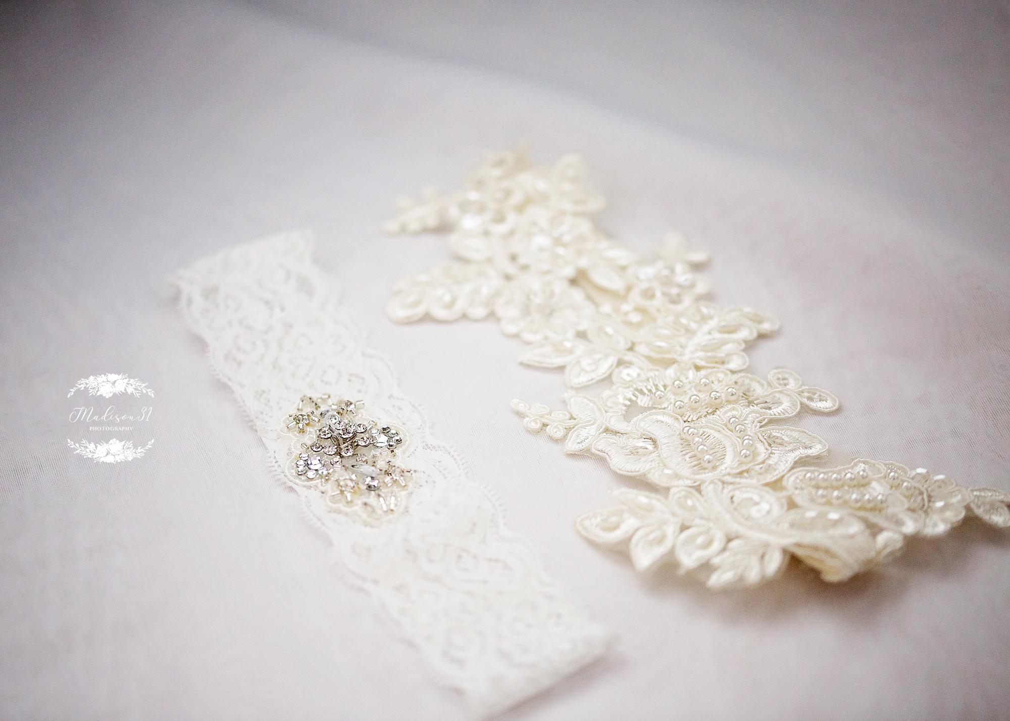 Getting Ready Bride_0048 copy.jpg