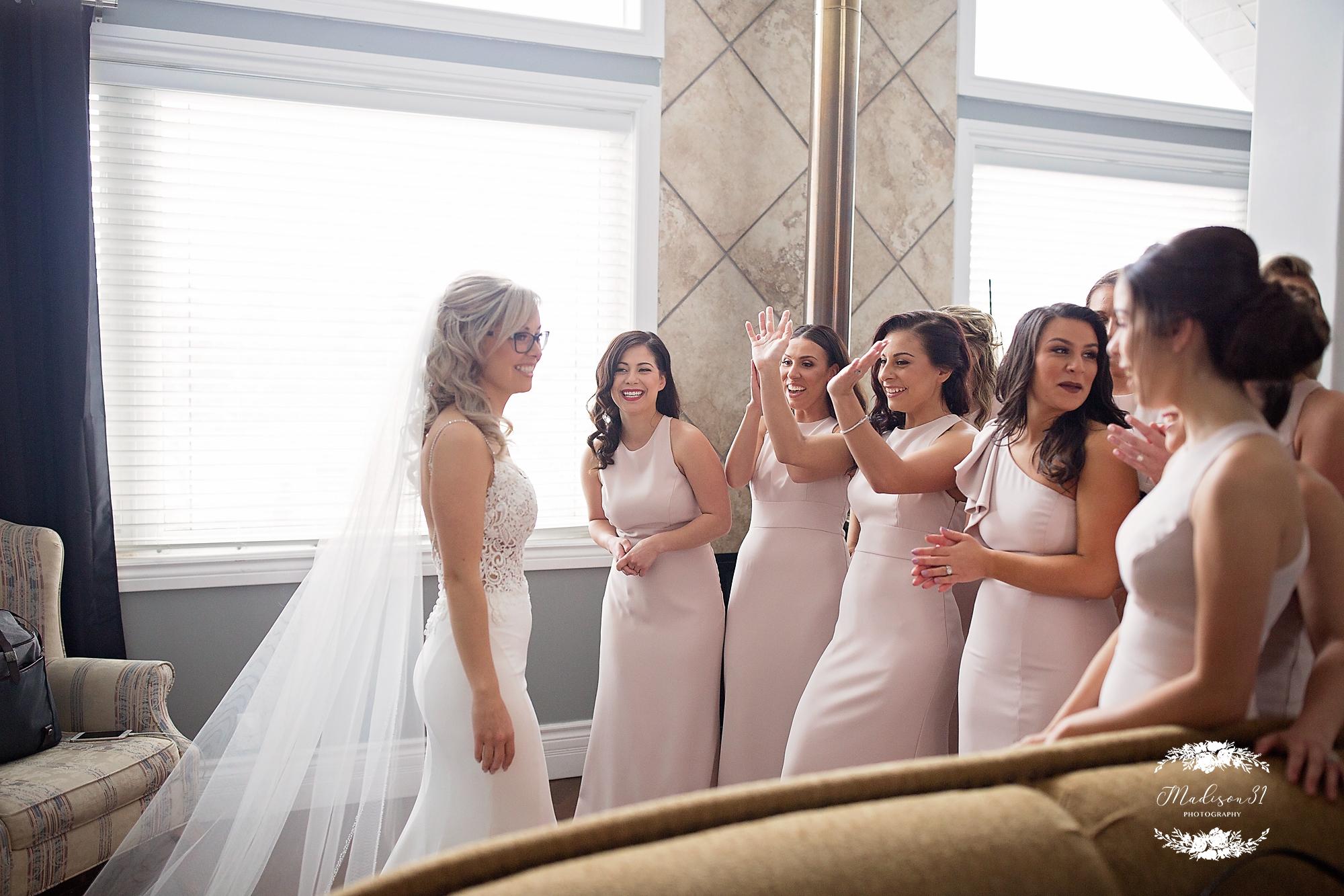 Getting Ready Bride_0572 copy.jpg