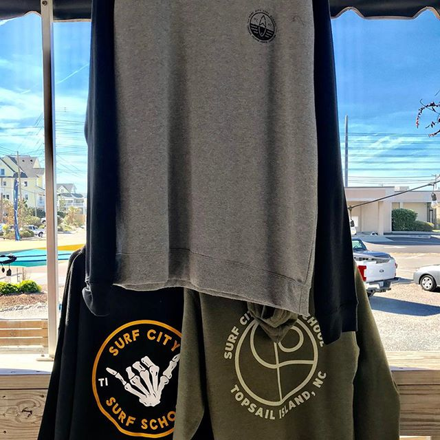 15% off for mentioning this post!  To all the moms and pops that are trying to stay warm tonight taking the kids trick or treating, come and pick up one of our new crew, hoodies or beanies today! Happy Halloween everybody! 🎃 🤙🏼 🏄🏻