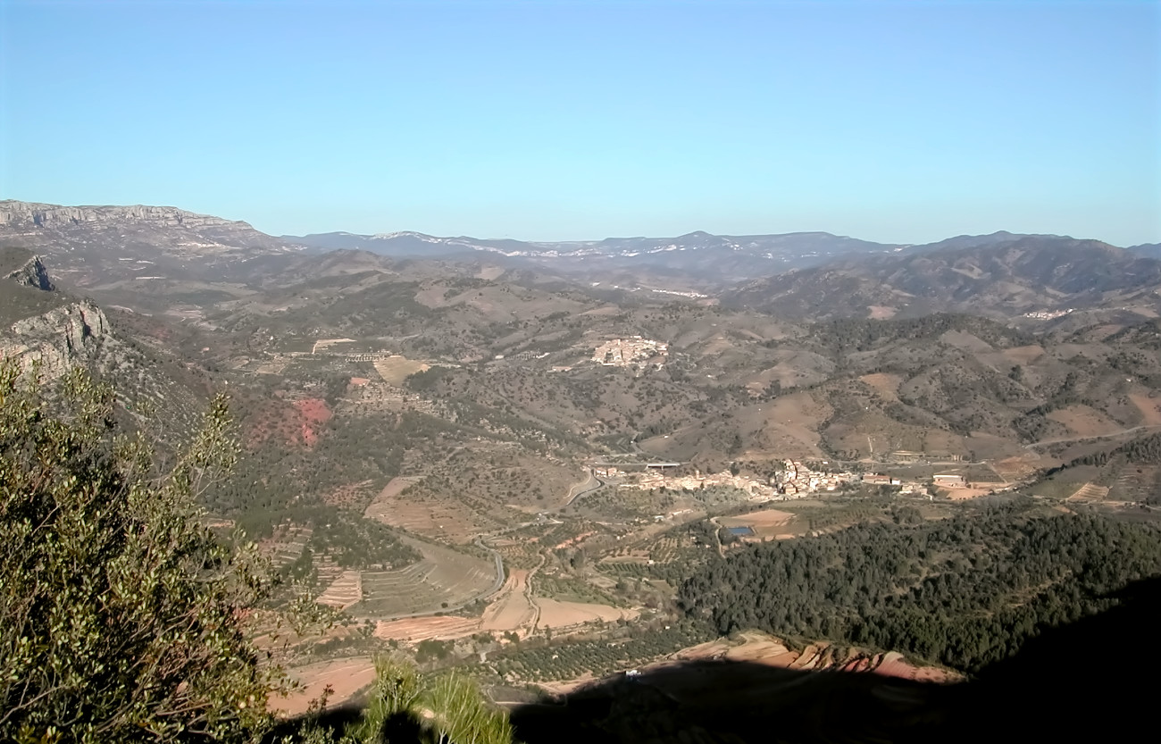 Typical view of a valley and dispersed villages in Priorat