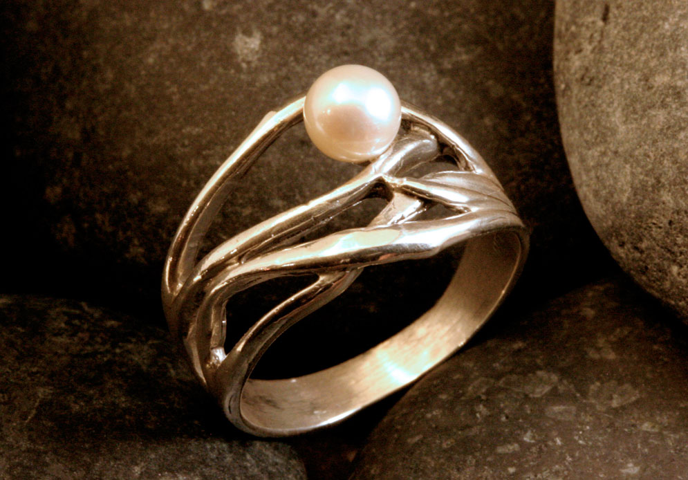 pearl-ring-opt.jpg