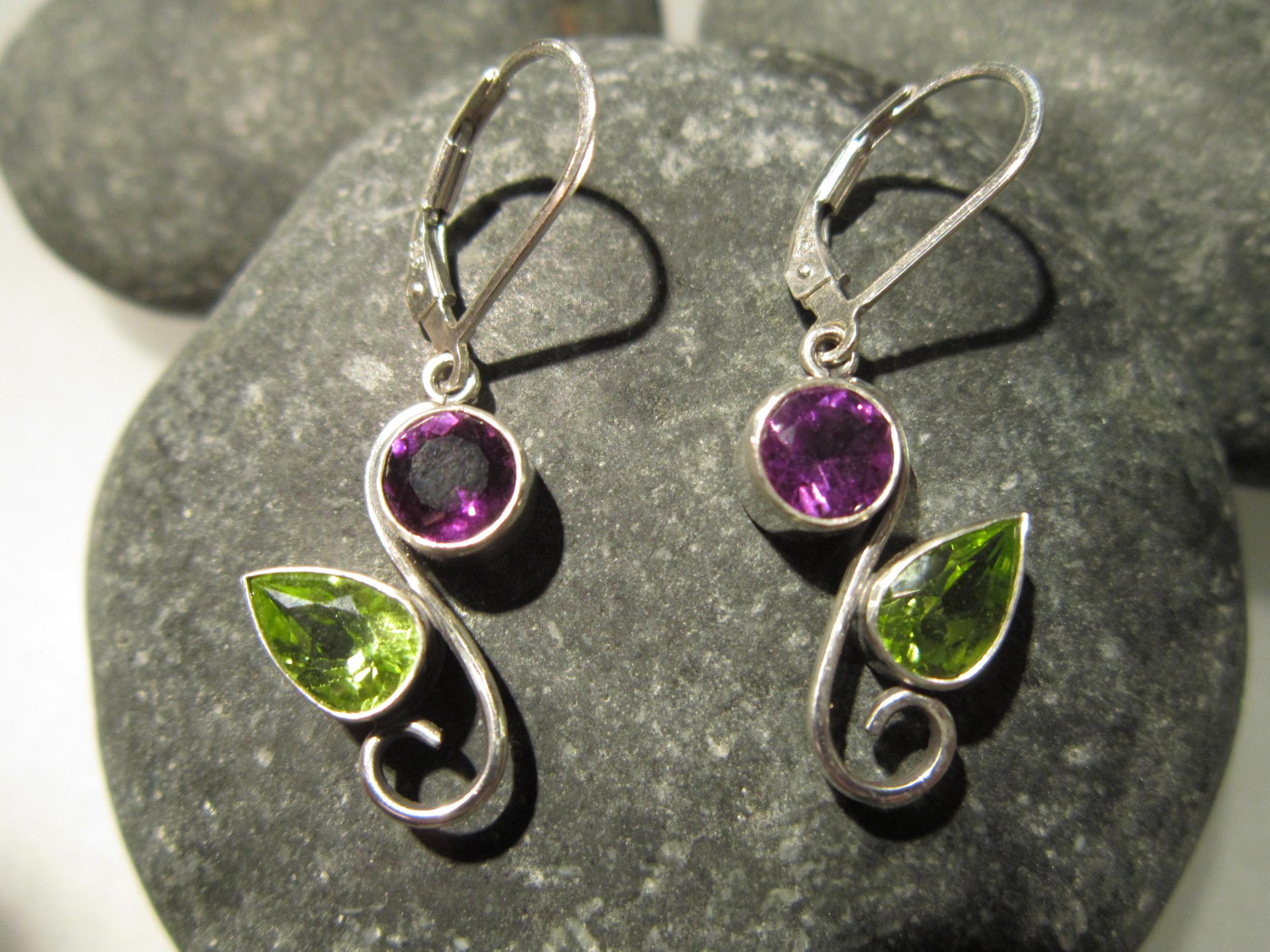 Sterling silver amethyst & peridot flower earrings