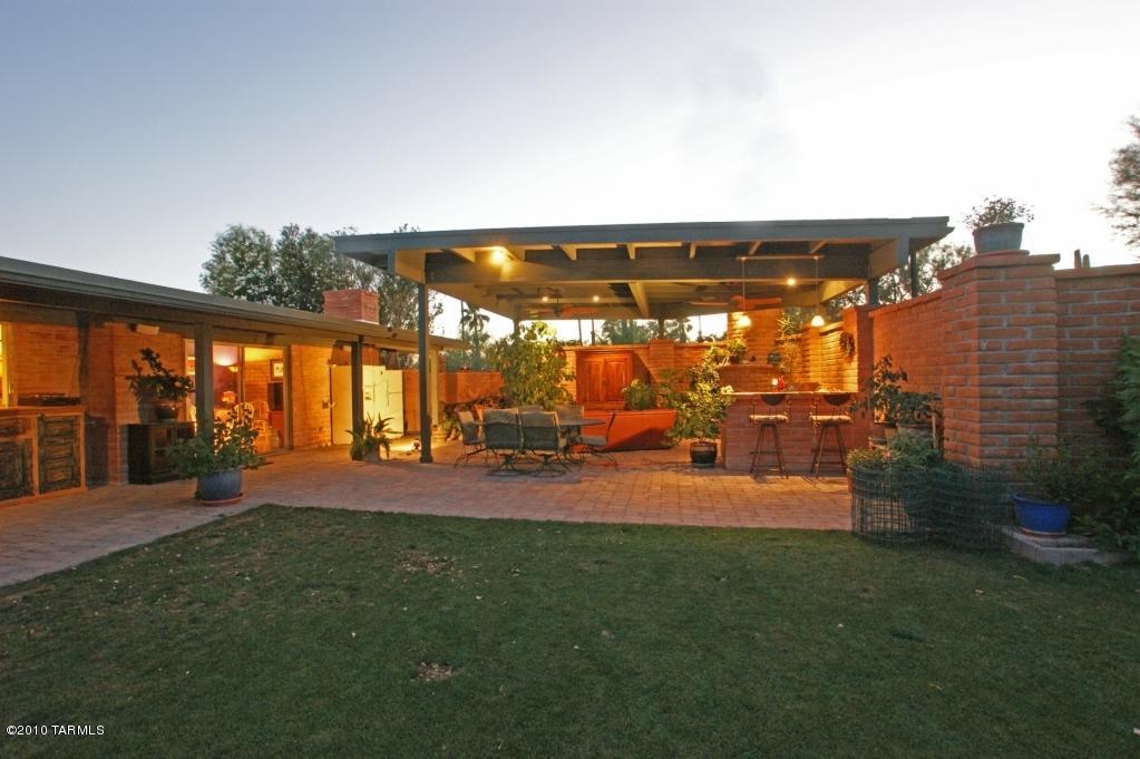 home backyard patio grass image