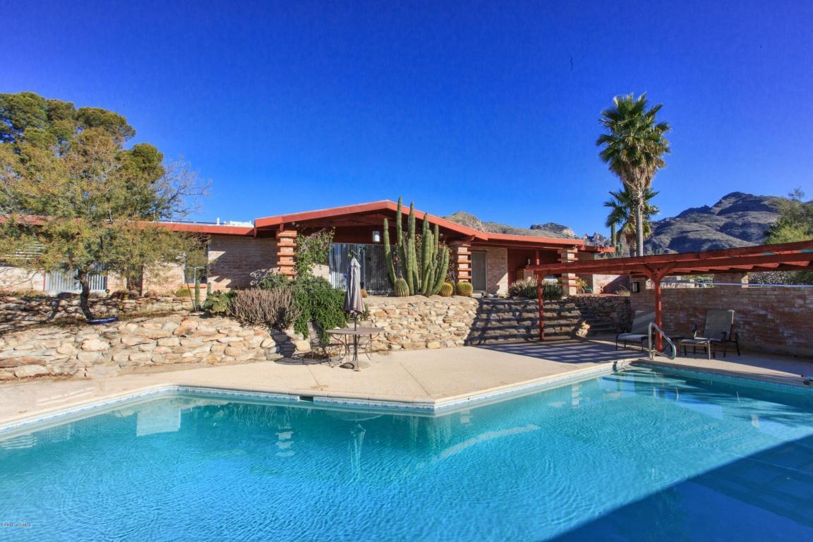desert home pool backyard image