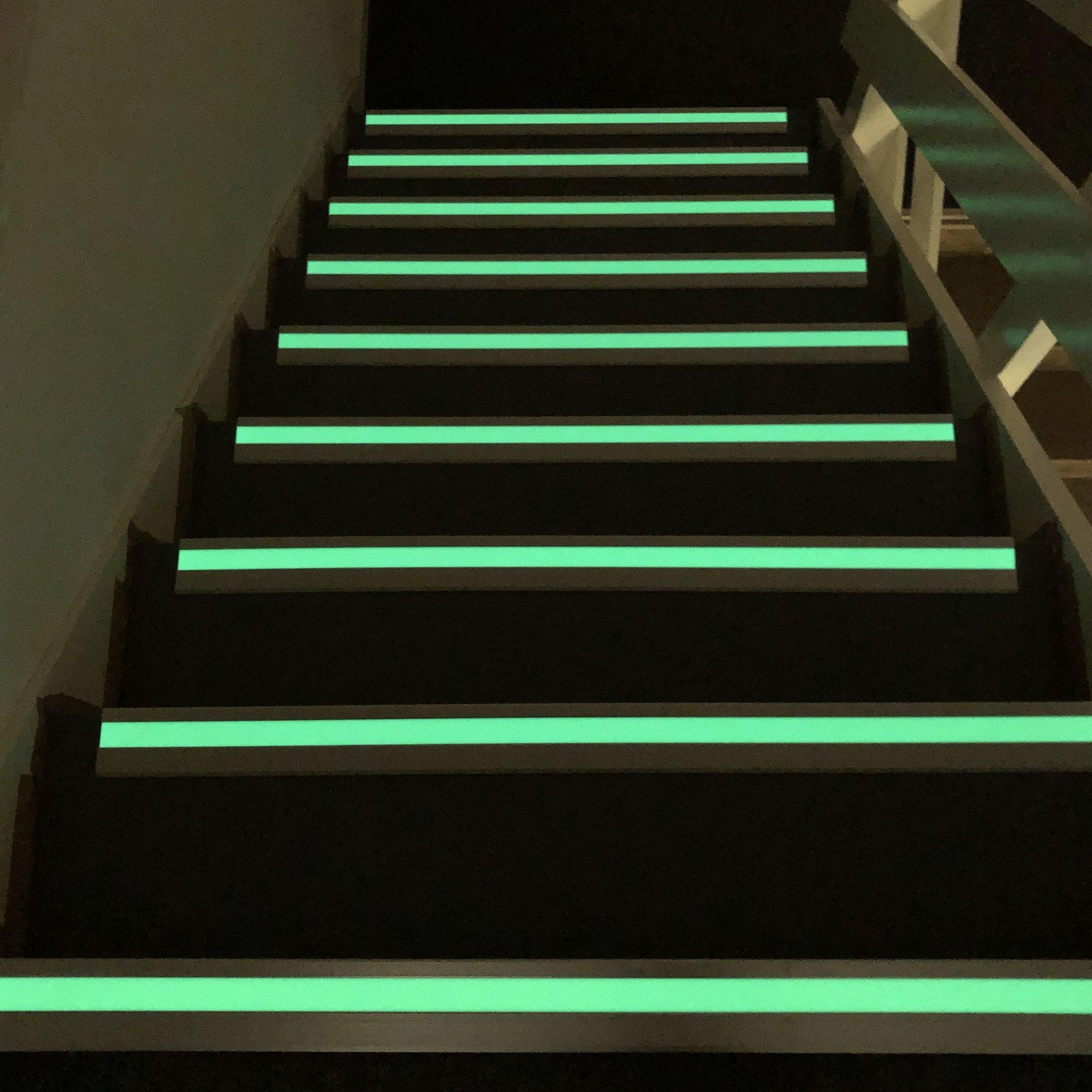 photoluminescent-stair-nosing.jpg