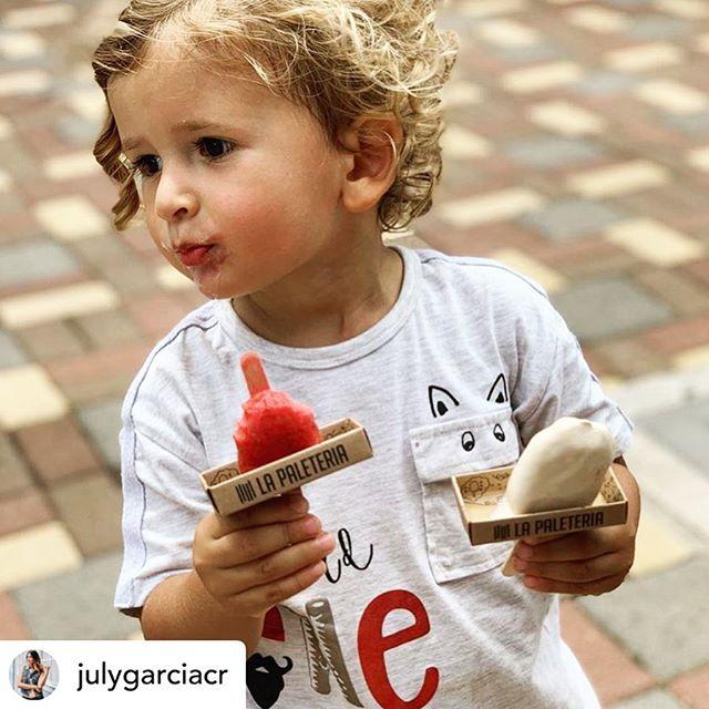 🍦🎈2x1 en PALETAS hoy 🙌🏻🎈 La cuestión es ¿Compartir o comerse las dos? 🤪  Repost de @julygarciacr Estaban a 2x1 y adivinen quien aprovechó la promoción 😋🍦 @lapaleteriacr . . #lapaleteriacr #icecream #yummy #food #babyicecream #francoybenjamin #helados #costarica