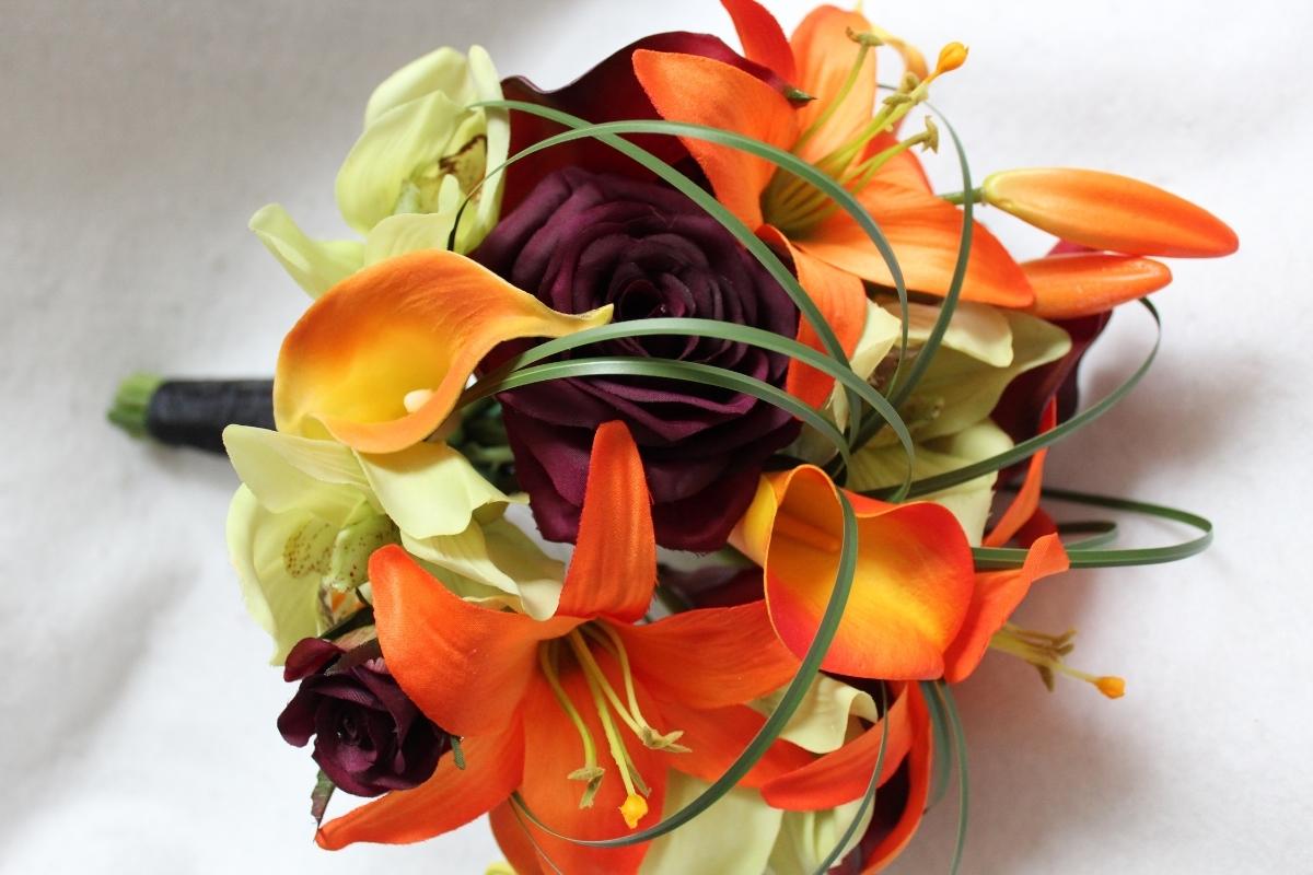 minneapolis-silk-florist-round-bridesmaid-bouquet.JPG