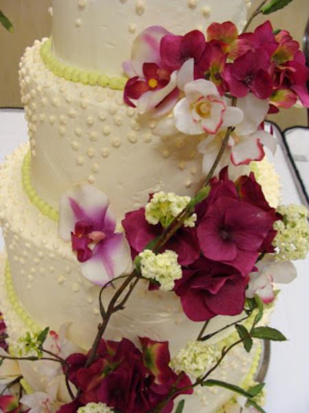 minneapolis-silk-florist-wedding-cake-flower-decoration.jpg