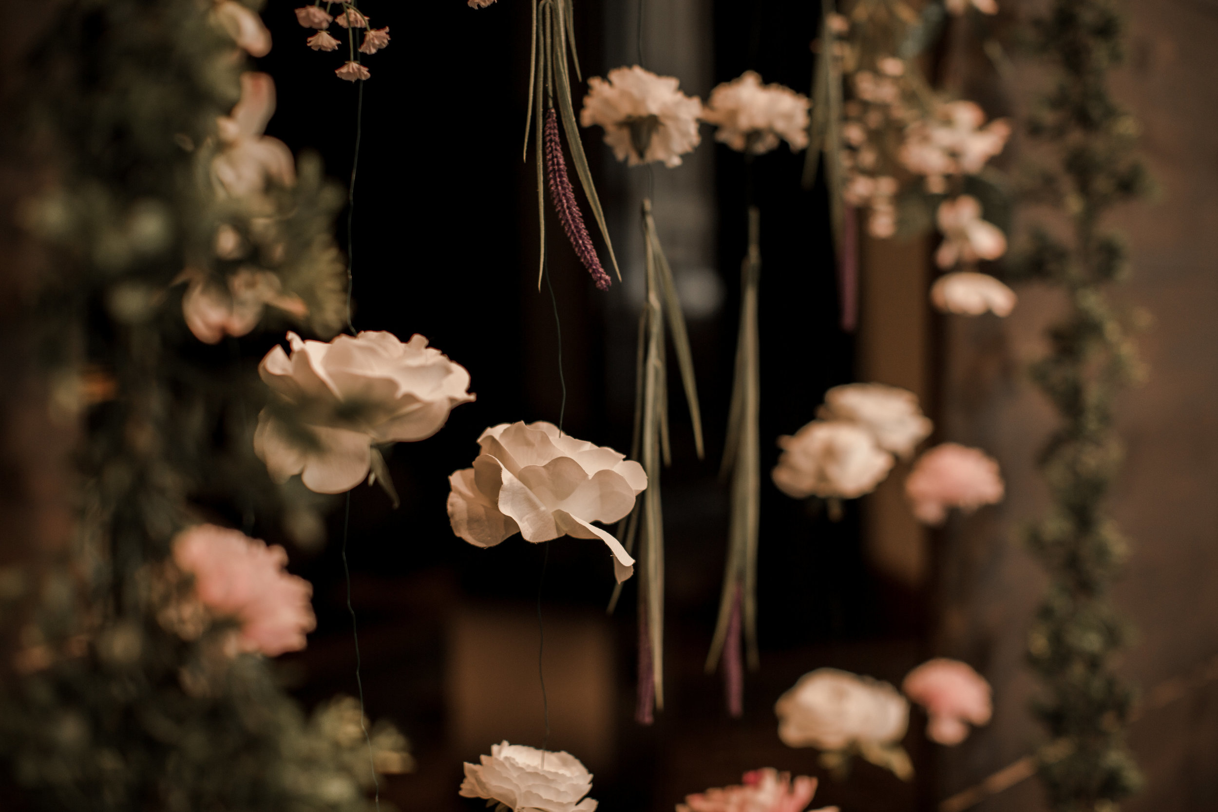 silk-flower-wedding-backgrops.jpg