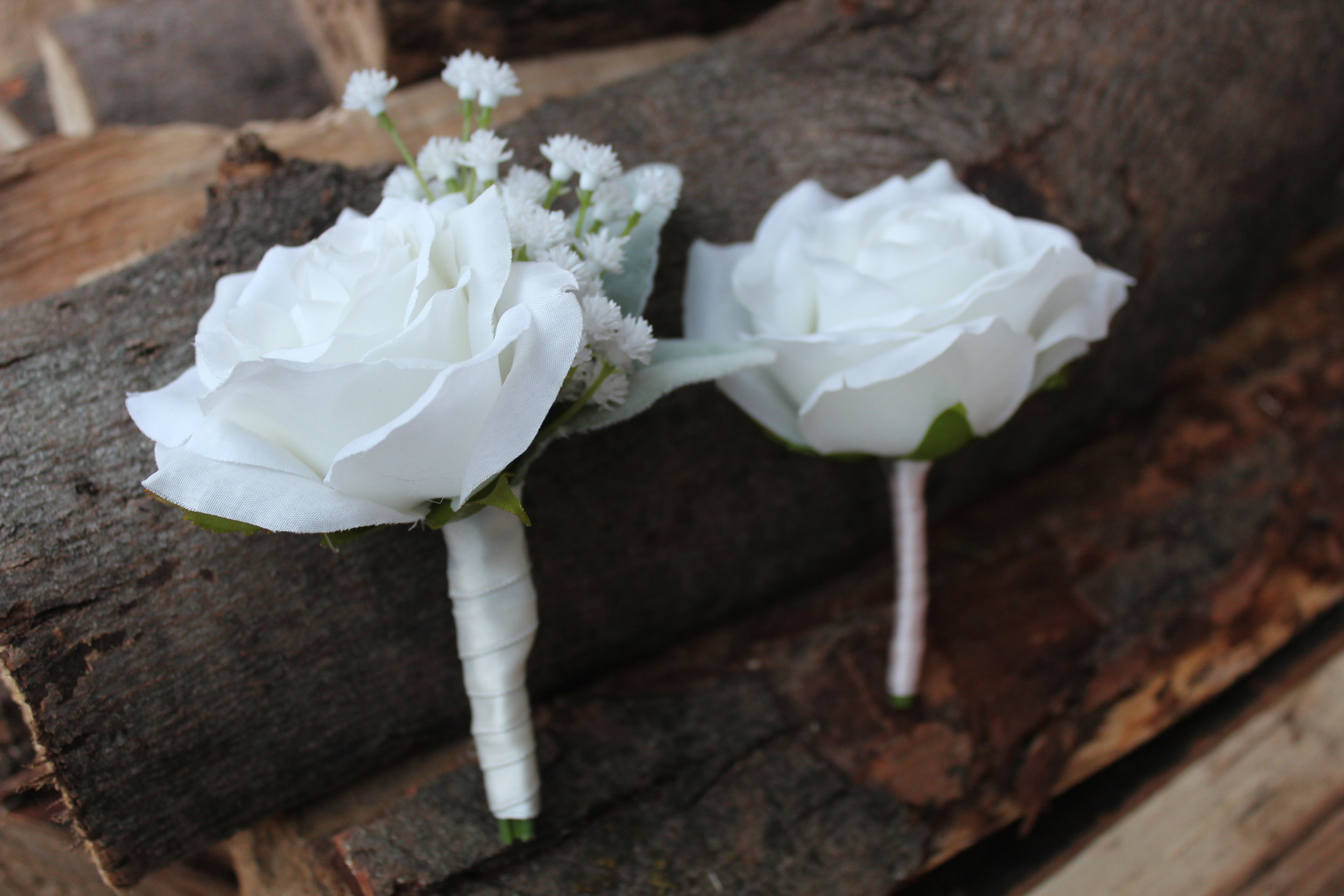 Groom's boutonniere (left) and groomsmen (right)