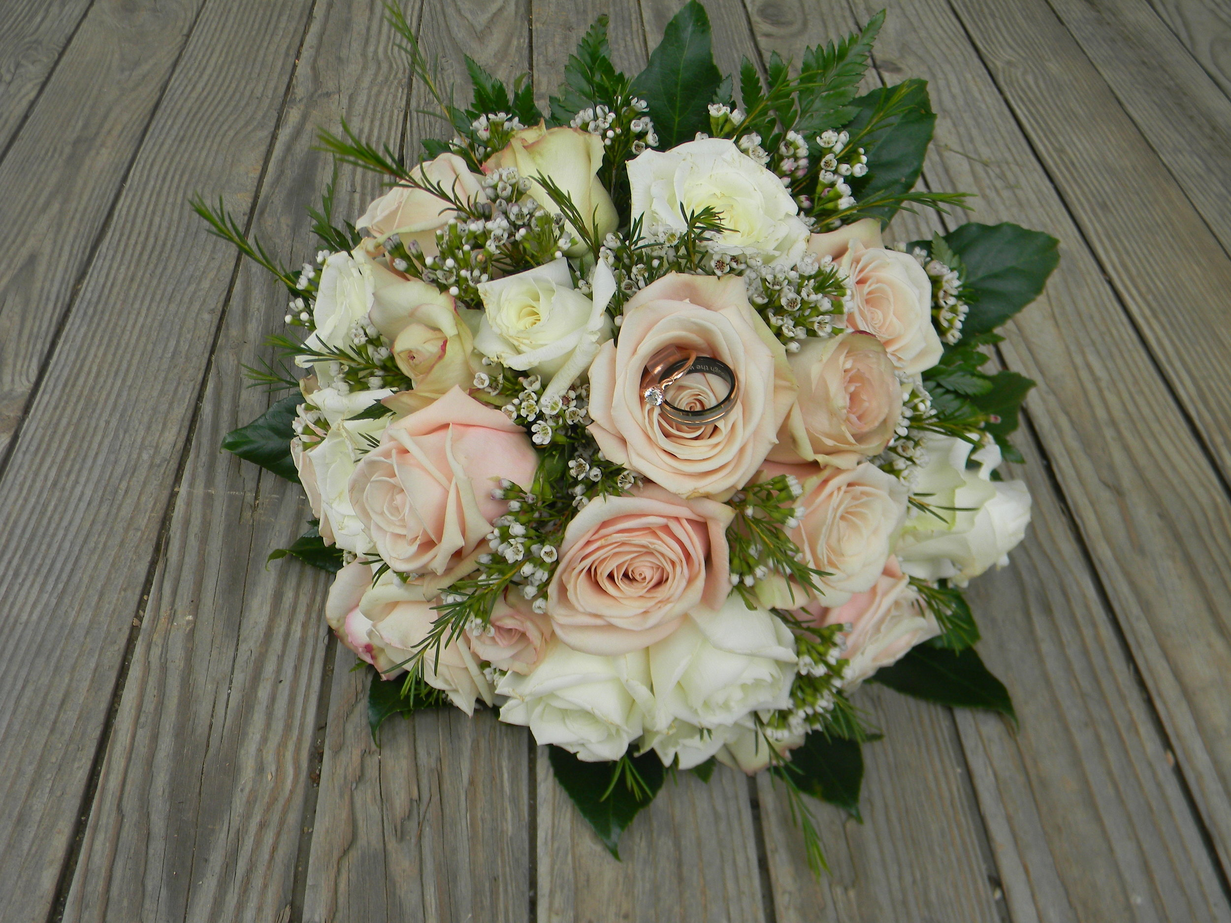 anniversary-gift-idea-silk-bridal-bouquet-recreation.jpg