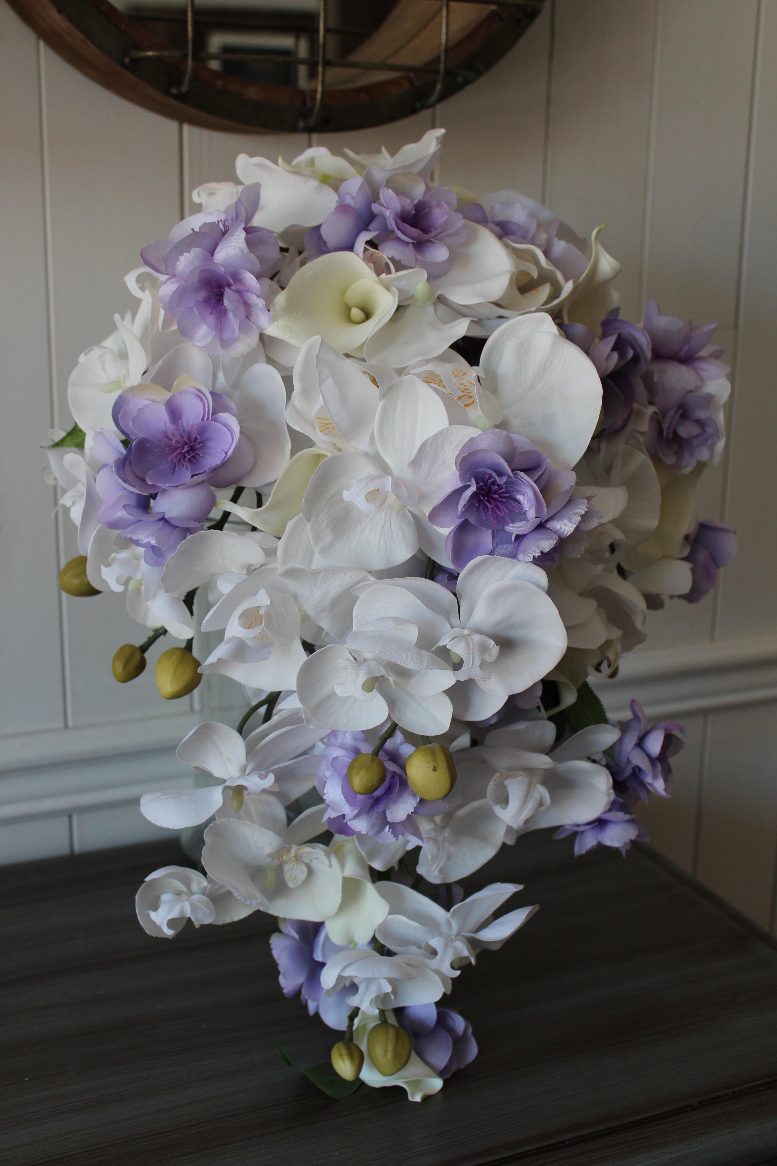 cascade-silk-bridal-bouquet.jpg
