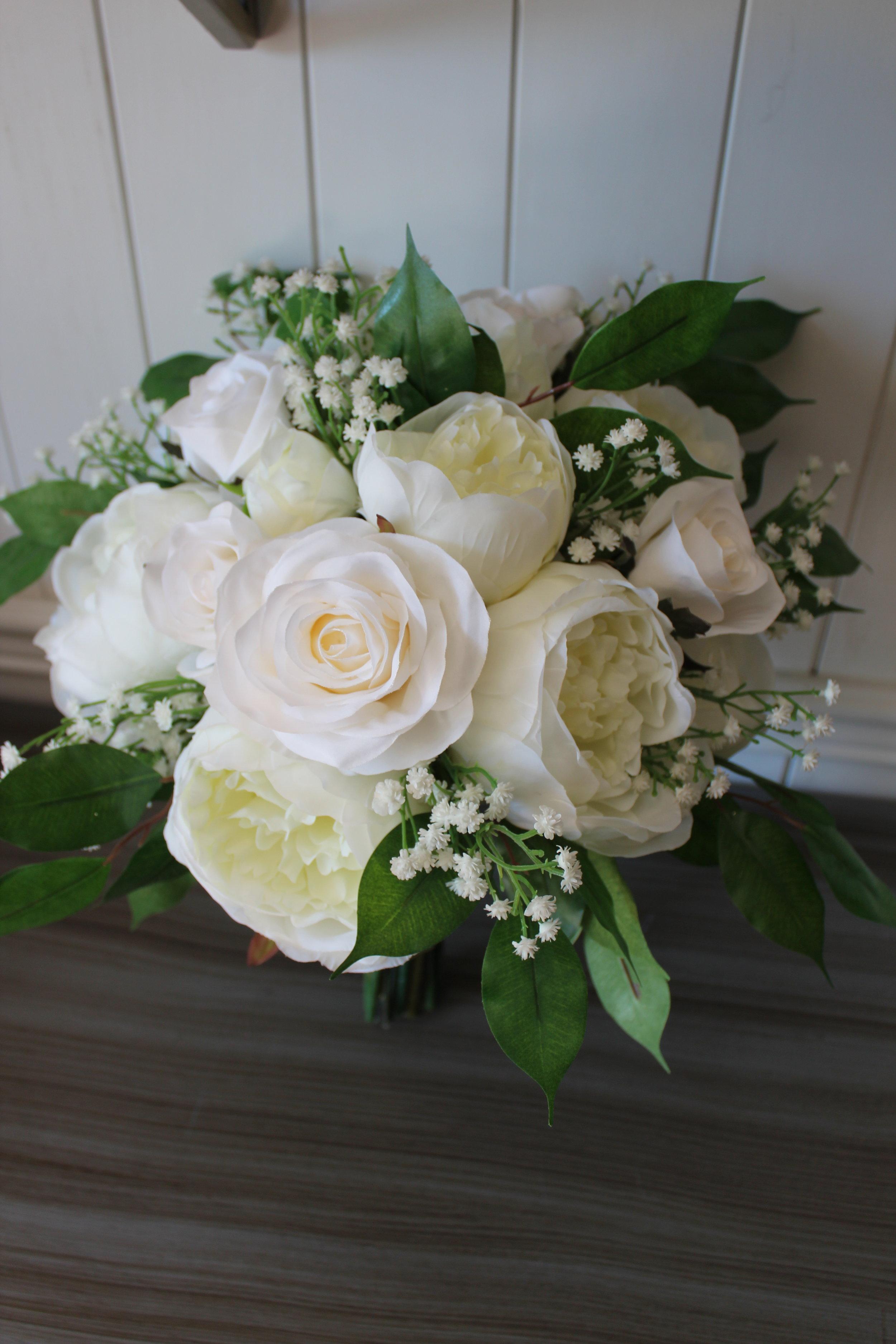 Ivory-white-silk-wedding-flower-bouquets.jpg