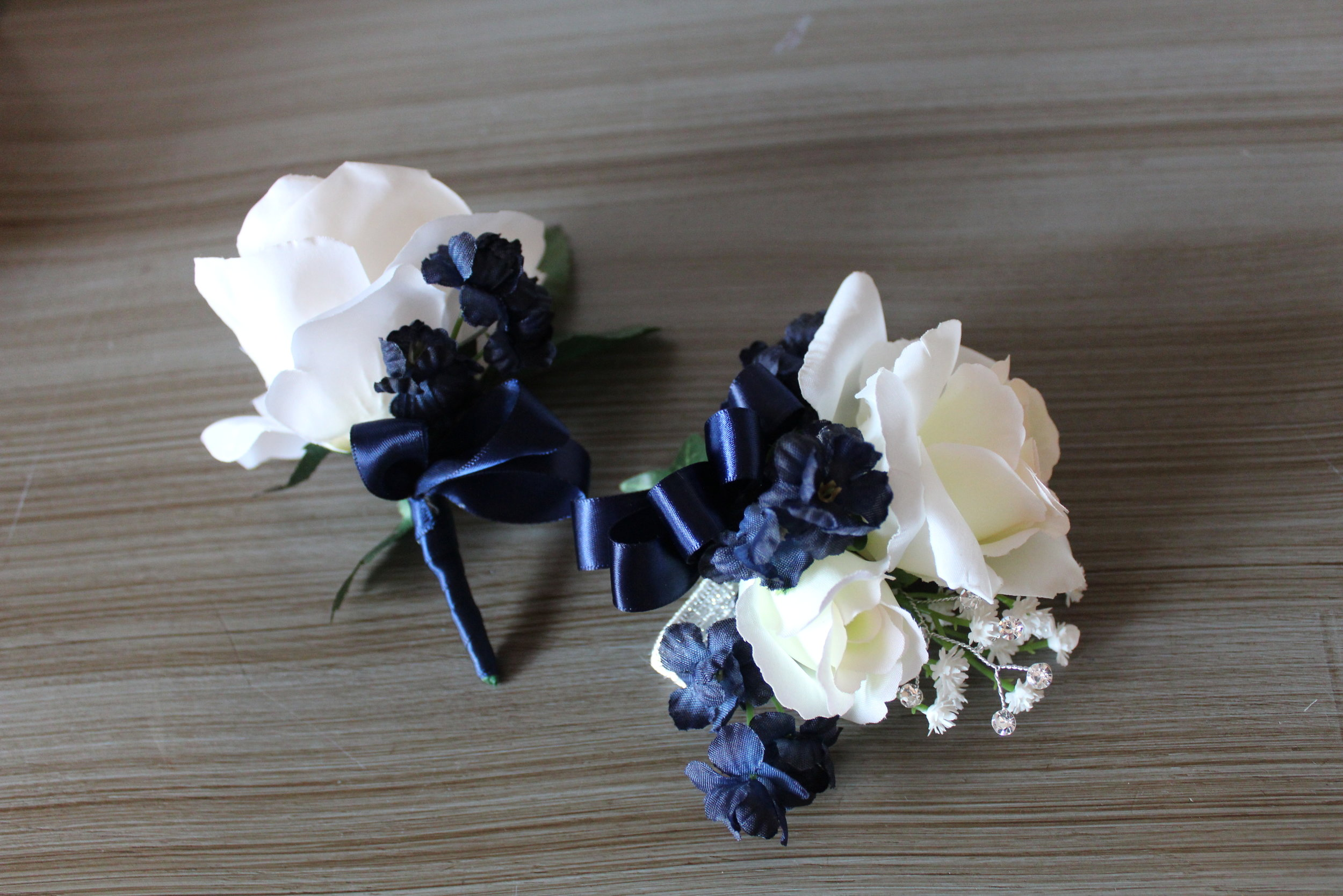 Attendant and Mothers' Corsages
