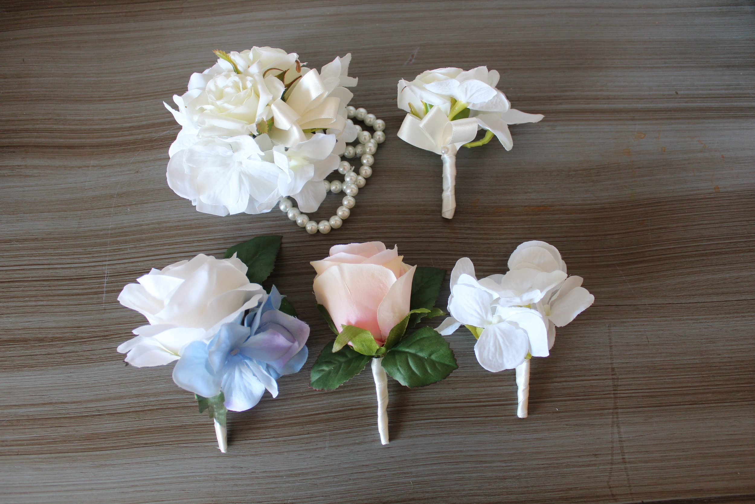 custom-silk-boutonnieres-corsages-wedding-flowers-bridal-bouquet