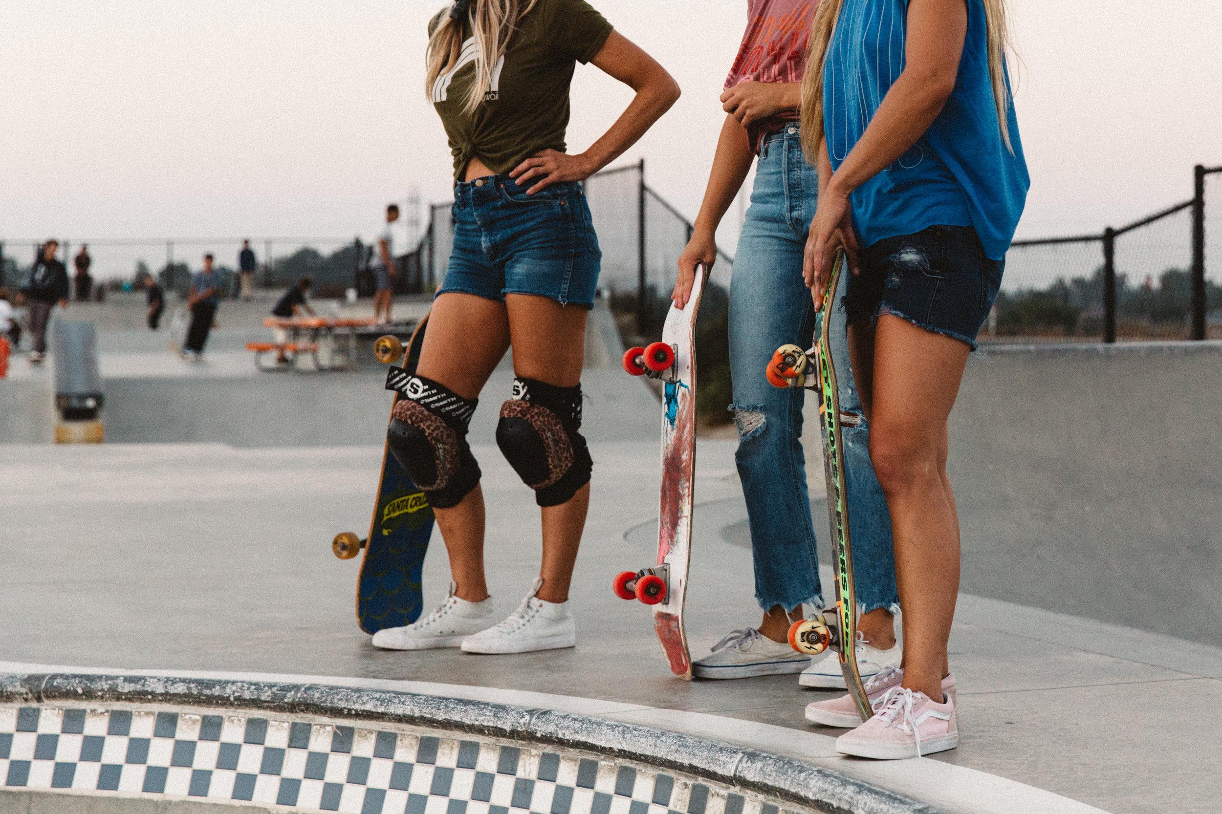 SkaterBabes-1970.jpg