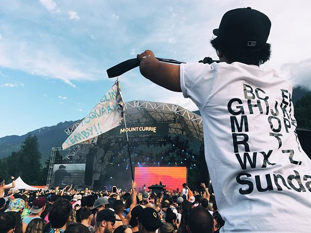 Sunday funday is in full force at @pemberton_fest  The best media assistant and human ladder - @mattymac_  #festivalseason #pembyfest #WFH16 #SundayCo