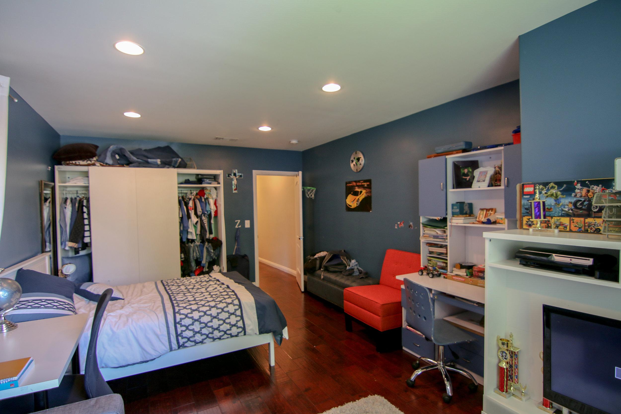 Bedroom 1 (1 of 1).jpg