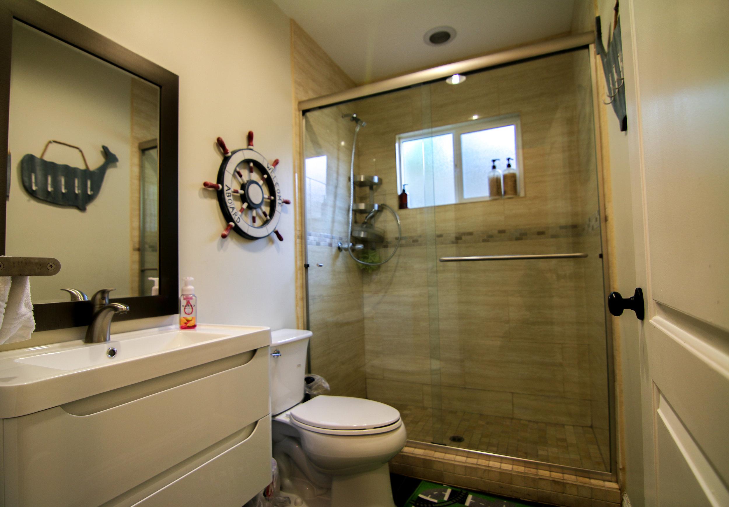 Hall Bathroom 1 (1 of 1).jpg