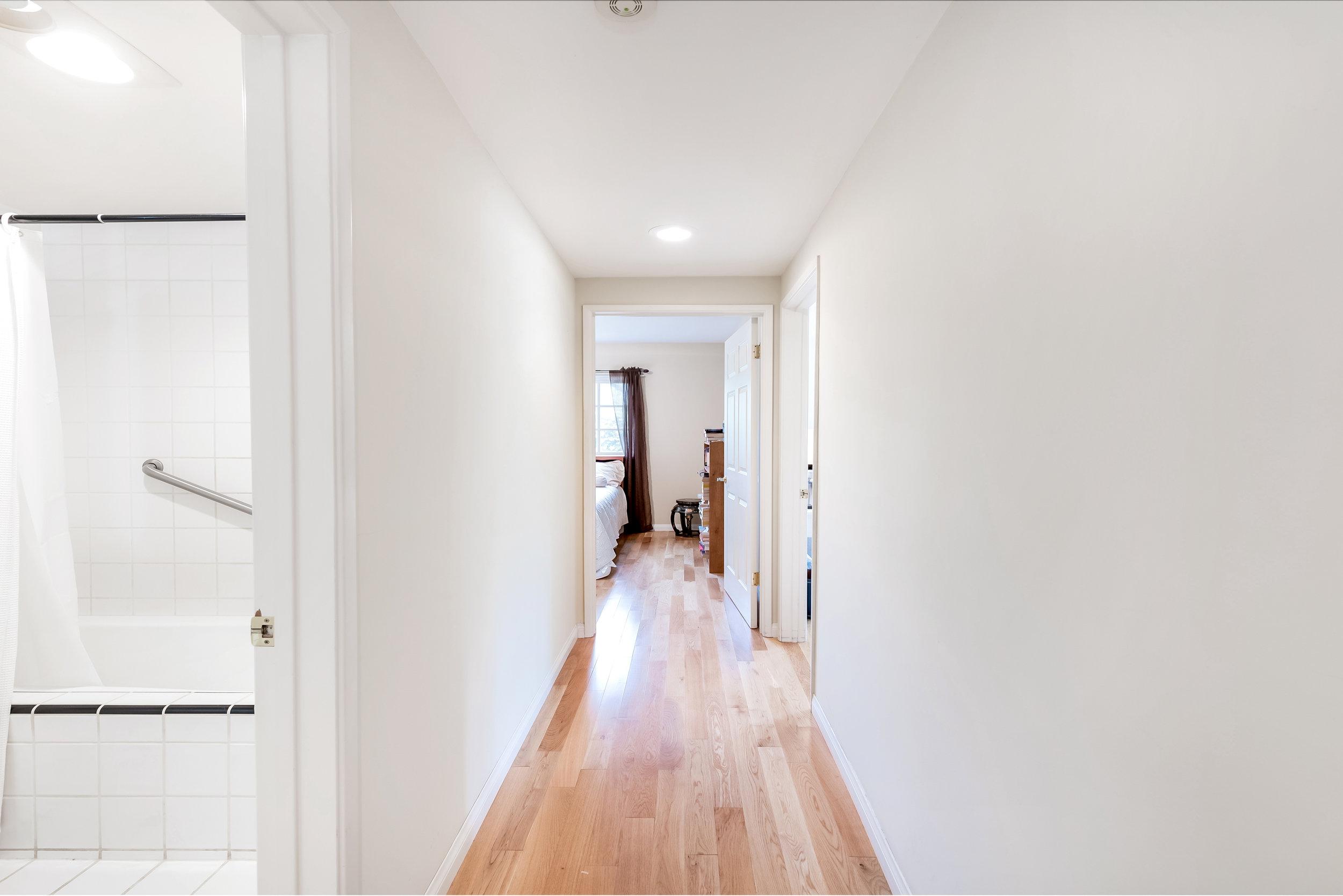 17 Hallway.jpg