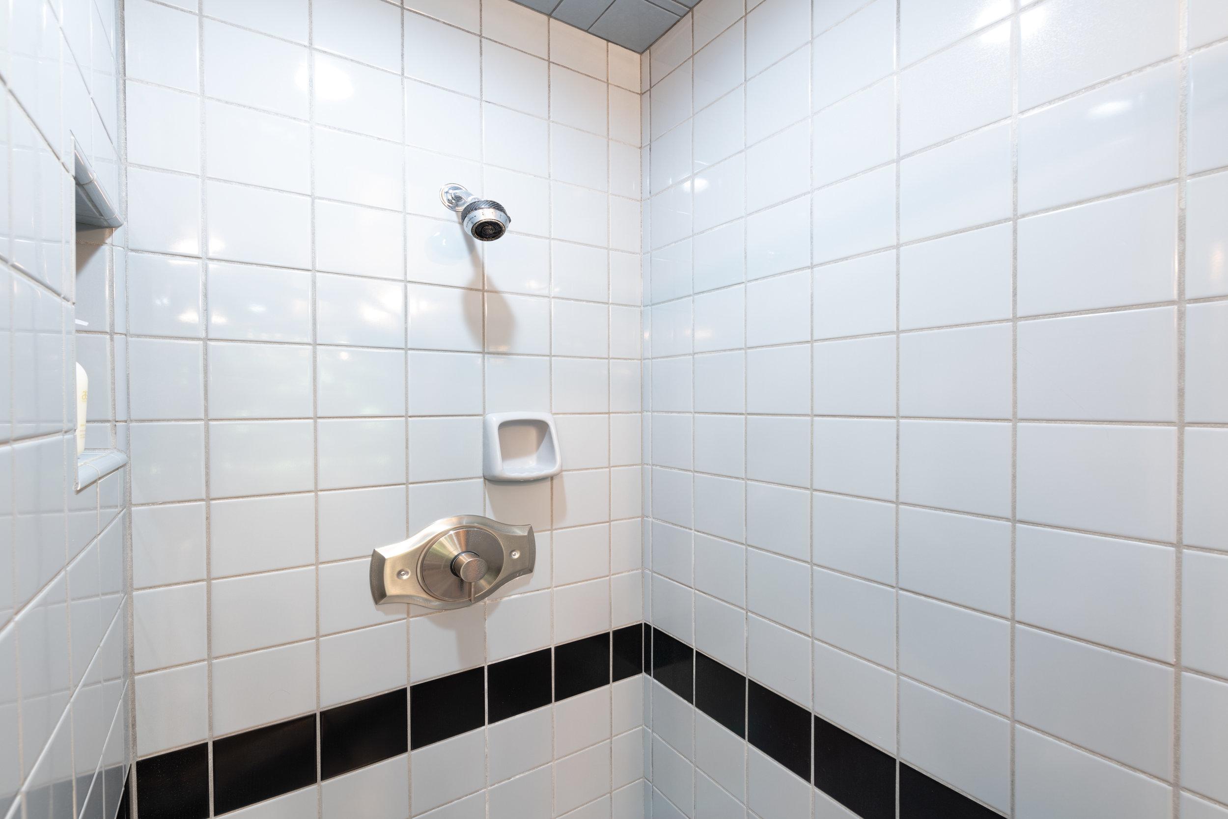 26 Master Bath.jpg