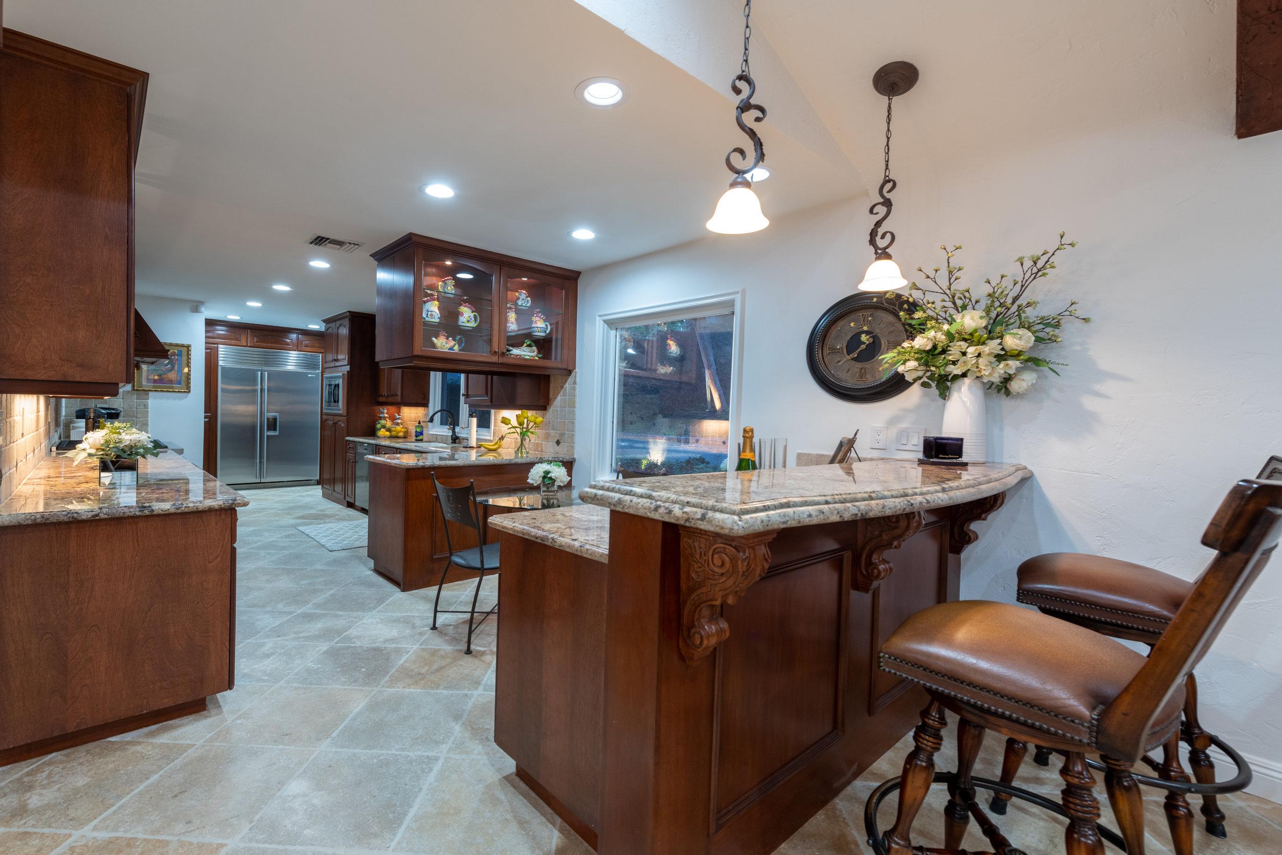 106 Kitchen.jpg