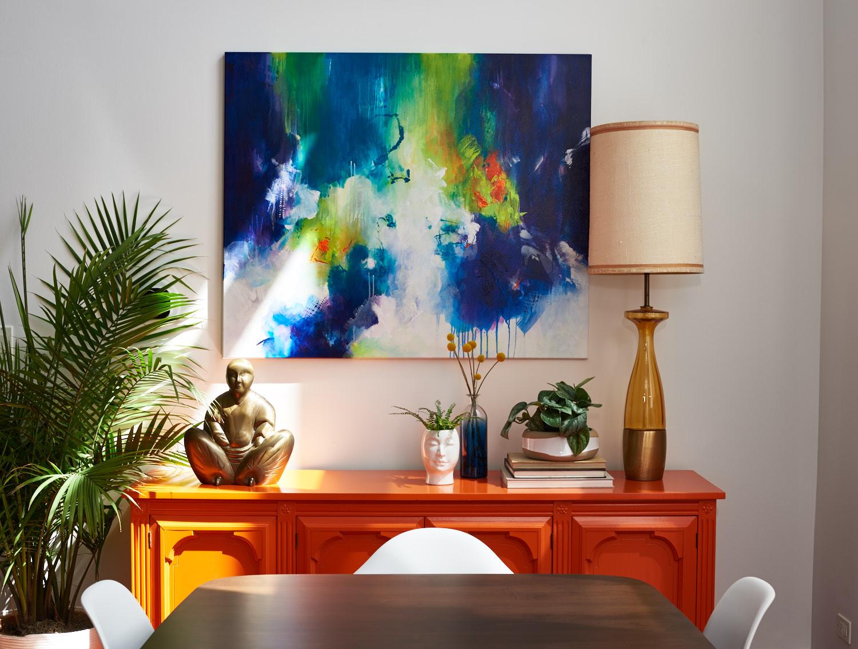 unpatterned-glam-great-room-chicago-interior-design-buffet