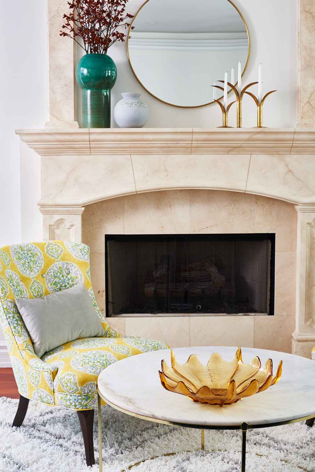 unpatterned-glam-great-room-chicago-interior-design-fireplace