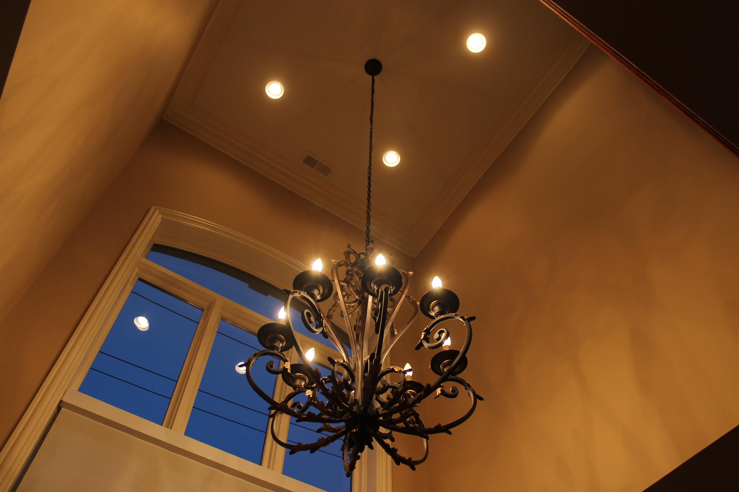 unpatterned-glam-great-room-chicago-interior-design-chandelierbefore